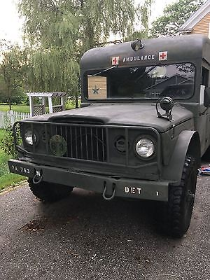 military ambulance 725 Jeep Kaiser 1968 used in Vietnam Bien Hoa Airbase