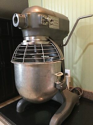 Hobart 20QT Mixer A200 W/ Cage, 3 Attachments, &  Stainless Steel Bowl