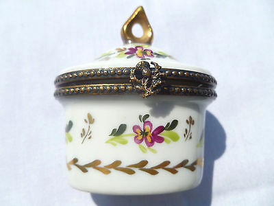 Peint Main P. V. Limoges France Porcelain Ornate Floral Trinket Box - Excellent