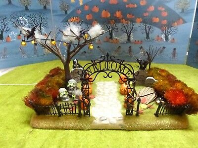 Department 56 Snow Village Halloween Haunted Front Yard