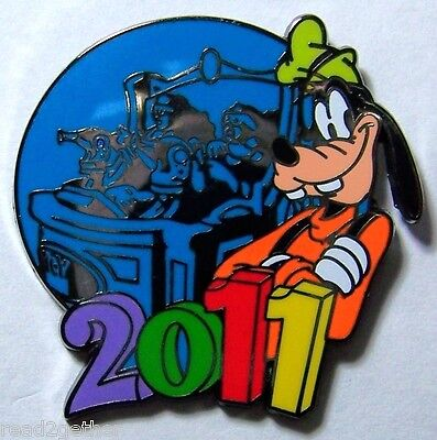 Goofy 2011 Mystery Collection Disney Pin
