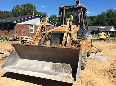 CASE 580 L  TURBO BACKHOE LOADER 4W/D  Clean and Good Condition
