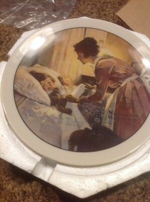 """VINTAGE GLASSWARE--NORMAN ROCKWELL--""""A MOTHER's LOVE""""--1976 MOTHER's DAY PLATE!"""