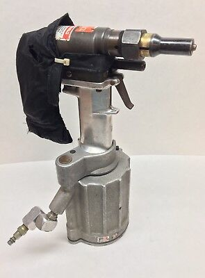 Huck Model 245 Pneumatic Riveter W/ 99-2617 Nose Assembly Aircraft Tool