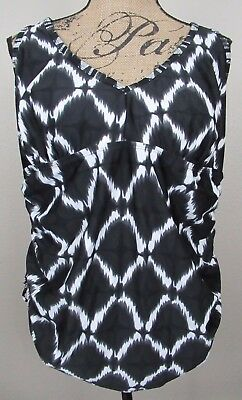 Liz Lange Maternity Swim Top Black White Geometric size XL