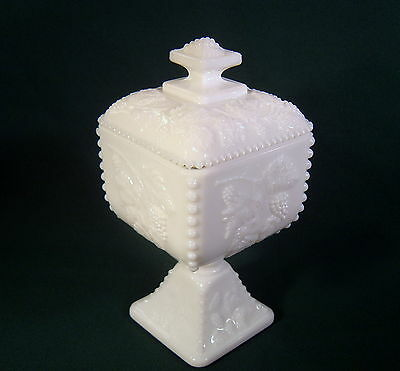 Westmoreland Beaded Grape line #1884 White Milk Glass Footed Bowl w/Lid ~ #BG-34