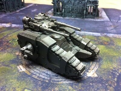 Warhammer 40K - Legion Sicarian Battle Tank Basecoated (Chaos Space Marines) NEW