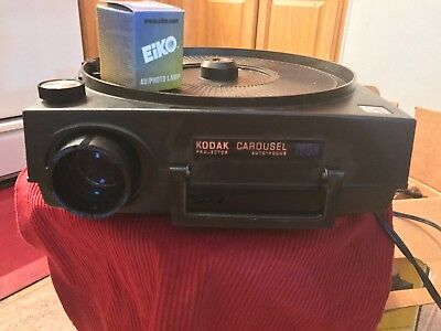 Kodak Carousel 760H Projector, Remote, Stack Loader; New Bulb and 2 Slide Rounds
