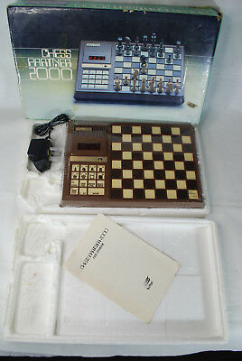 Chess Partner 2000 Electronic Chess Game