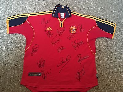 Vintage Spain football shirt with signatures - size Large