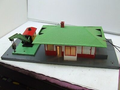 American Flyer 612 Freight Station Lighted W/crane A Must See