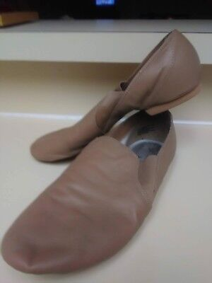 jazz shoes American ballet theatre size 7.5 worn for one season.