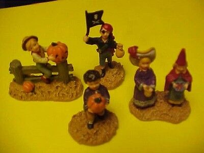 Halloween  Department 56 Seasons Bay 4 people pieces