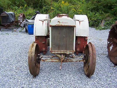 FORDSON TRACTOR  restore or display as landscaping yard art.....antique