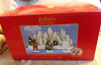 Dept 56 Rudolph The Red Nosed Reindeer Set of 4 LIGHTING the CHRISTMAS STAR