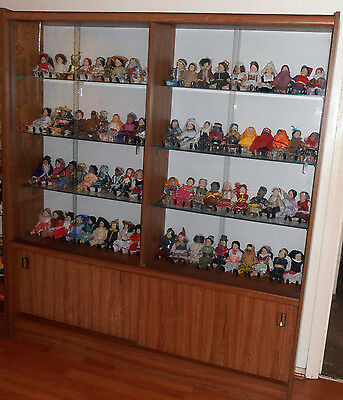 FULL SET 80 Dolls Of The World - WITH CABINET and Magazines