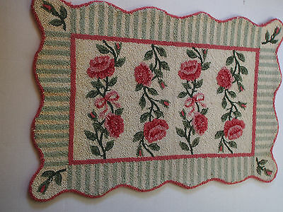 Vtg Shabby Chic Bow Rose Pink Green Scalloped Hand Hook Rug~Murray Style 24 x 35