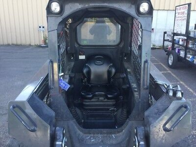 2013 John Deere 318D Skid Steer Loaders
