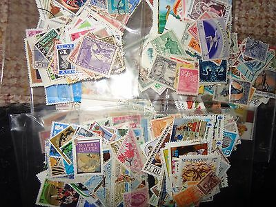 Collection GB WORLD.  used stamps OFF PAPER 500 + 100 CHRISTMAS STOCKING FILLER