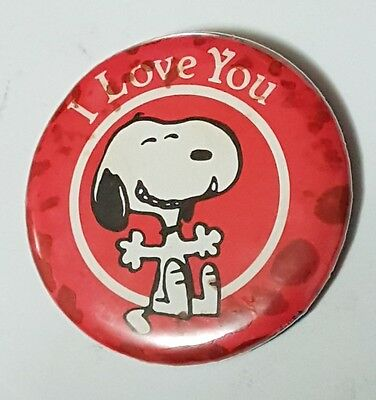 """Beautiful Vintage Snoopy Button Pin Back """" I love you """" Dated 1958"""