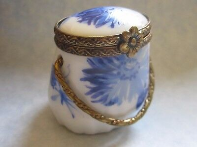 CHAMART EXCLUSIVE Peint Main LIMOGES France VINTAGE Hinged Trinket Box