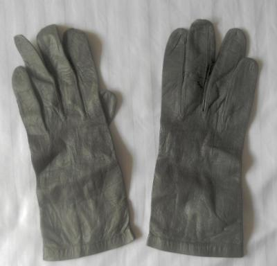 Antique Vintage Ladies Dove Grey Kid Leather Gloves Size 6 1/2