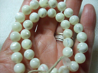 White Mother Of Pearl Round 8Mm Beads 34 Pieces Natural Shell