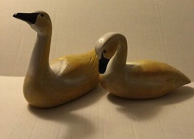 Pair Wooden Ducks Hand Carved Painted Q