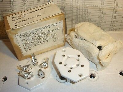 VINTAGE PAIR OF HAMMARLUND for GE NOS 5-PIN PORCELAIN / CERAMIC UX5 TUBE SOCKETS