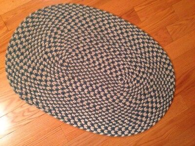 Small Oval Braided Rug.  Real/white 2'x3'