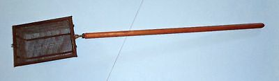 Old Primitive Wire Mesh & Wood Popcorn Popper Long Handle Fireplace Camping Tool