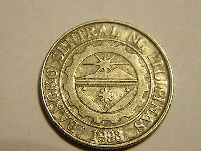2004 Philippines 1 Piso Coin  ----Lot #3071