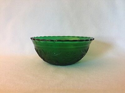 Anchor Hocking FOREST GREEN SANDWICH Glass Small Scalloped Nested Bowl Free Ship
