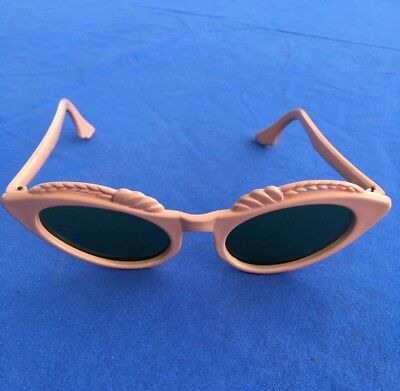 Vintage Cat Eye Horn Rim Sunglasses USA retro rockabilly peach open road
