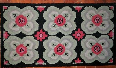 Antique American Folk Art 1940's Hand Hooked Wool Rag Rug - Excellent Condition