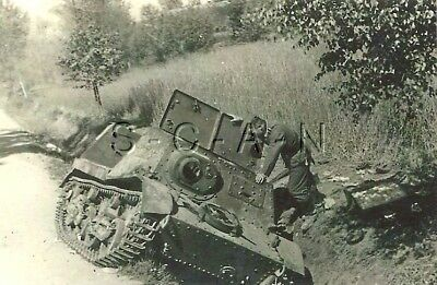WWII GE Large (5.25 x 3.5) REPRO Photo- Russian T-20 Komsomolets Armored Tractor