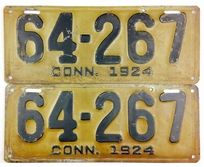 1924 Connecticut License Plate PAIR #64-267 YOM