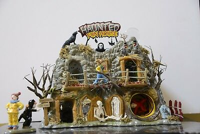 Dept 56 Halloween Village Haunted Fun House - Limited Edition 2002 - RETIRED