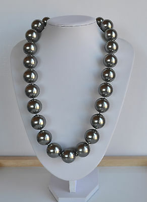 gorgeous vintage faux grey silver plastic pearl runway necklace  24.5'' 22 mm