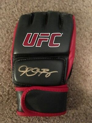 Ronda Rousey Signed UFC Fight Glove  autographed (1only)