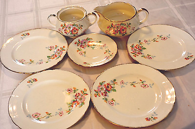 Alfred Meakin England: Beautiful set of 7 pieces Gold trim Flowers 1930s