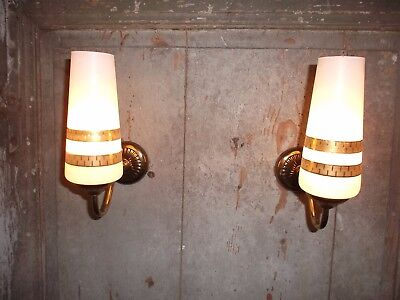 French a pair of retro vintage c.1960 wall light  classic designed