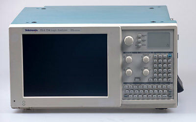 Tektronix TLA714 Logic Analyzer Mainframe