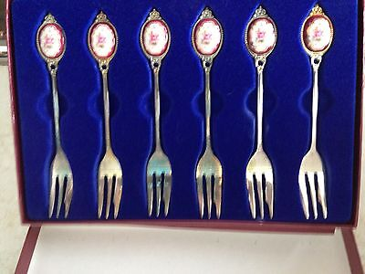 Vintage Boxed Set 6 Dessert Forks with Flowers