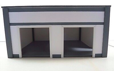 CUSTOM BUILT STURDY/QUALITY TWO CAR GARAGE/ STATION/EASY ASSEMBLY 1:18 Diorama