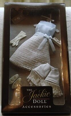 """Franklin Mint Jackie Kennedy Portrait Doll """"state Visit To Mexico Ensemble"""" Nrfb"""