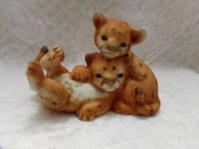 """1993 """"Curious Cougars"""" Masterpiece Porcelain Figurine Homco Signed Playful Cubs"""