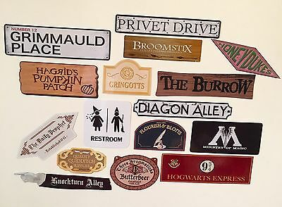 Harry Potter Large Party Decoration Set - 16 Signs And Arrows