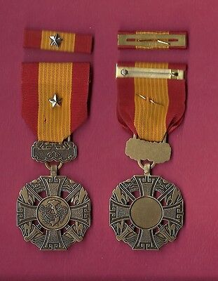 Vietnam Cross of Gallantry medal with ribbon bar with silver star device
