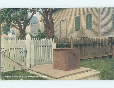 Divided-Back POSTCARD FROM Marblehead Massachusetts MA HM7923